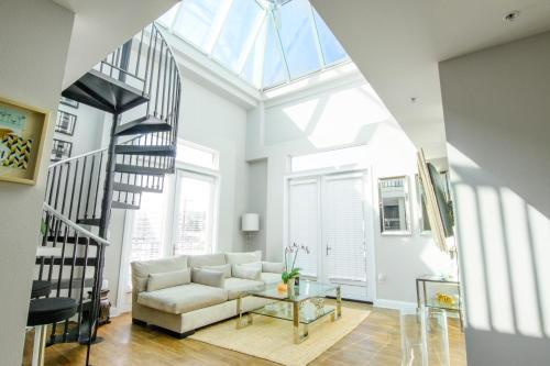 101 Luxury Loft