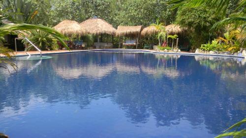 Oasis Resort (B&B)
