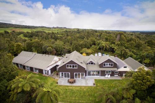 Patuha Lodge - Accommodation - Okato