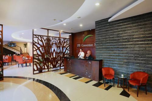 . IPB Hotel Botani Square