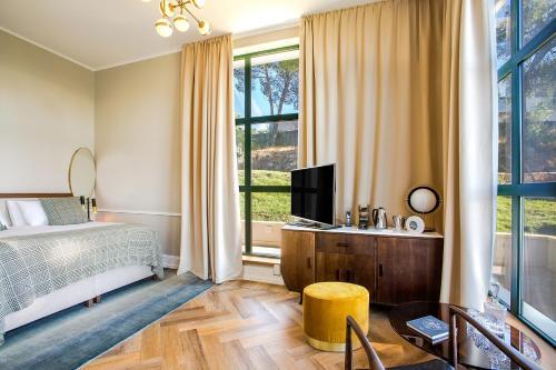 Put Gradine 66, 21220 Trogir, Croatia.