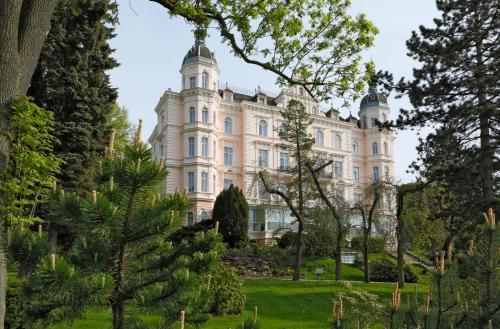 . Bristol Palace
