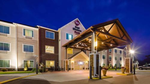 BEST WESTERN Plus Menomonie Inn & Suites - Hotel - Menomonie