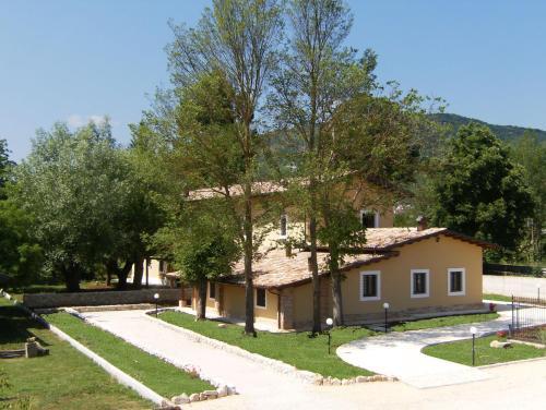 . Azienda Agrituristica Tenuta ValViola Amiternum
