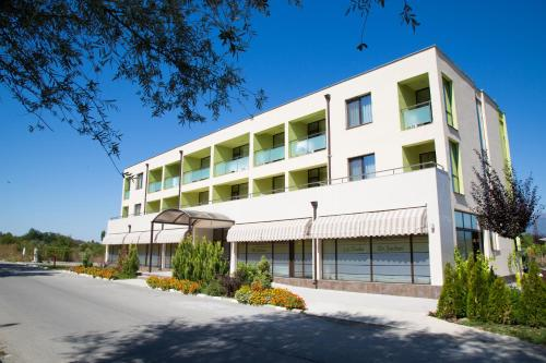 __{offers.Best_flights}__ Hotel-Clinic Dr. Gechevi