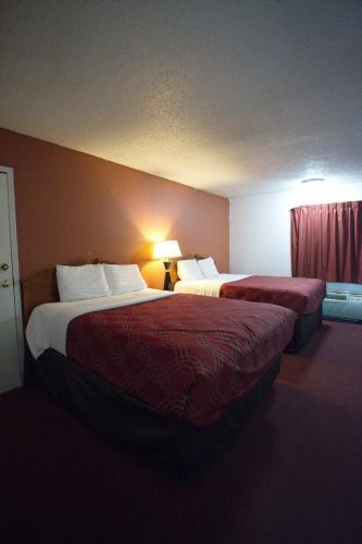 Econo Lodge Elk City - Elk City, OK 73644