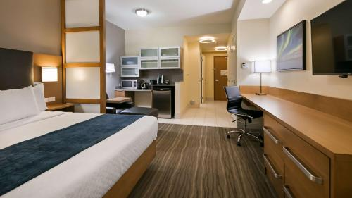 Best Western Plus Sawridge Suites - Fort McMurray, AB T9K 0T4