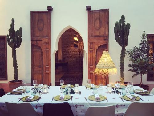 41 Derb Boutouil, Kennaria, 40000 Marrakech, Morocco.