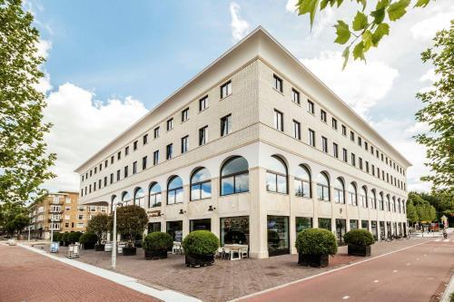 Stadionplein 260, 1076 CK Amsterdam, The Netherlands.