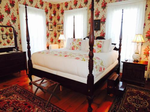 Burnap's Bed & Breakfast and Beyond - Accommodation - Sodus