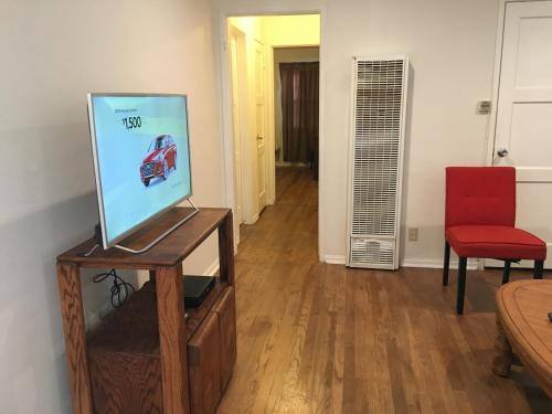 Cozy 1 Bedroom In The Valley - Van Nuys, CA 91405