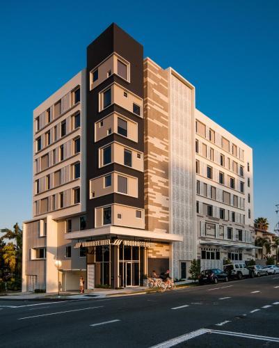Woodroffe Hotel, Queensland