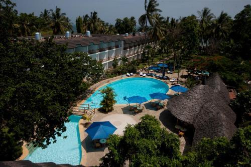 . Travellers Beach Hotel