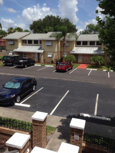 Florida Dreams Vacations - Kissimmee, FL 34746
