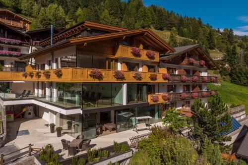 Hotel Garnì Gardena - Appartments St. Christina - Grödental