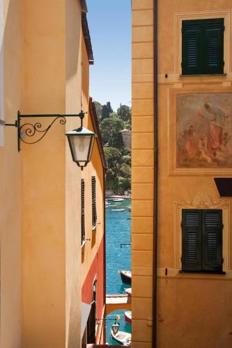 Salita Baratta 16, Portofino, 16034, Italy.
