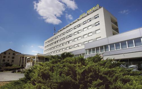 . Hotel Panonija