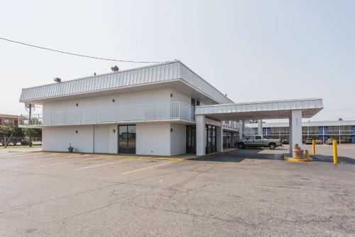 Motel 6 West Memphis Ar - West Memphis, AR 72301