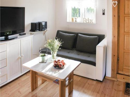 Two-Bedroom Holiday Home in Nowe Warpno photo 22