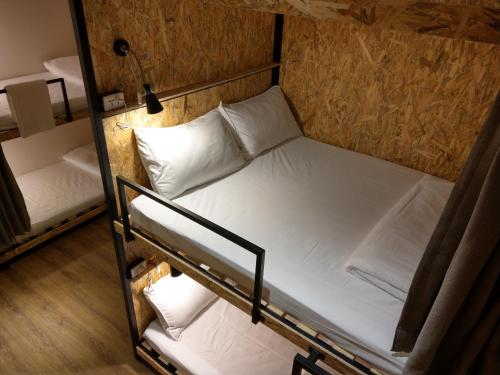 Double Bed in 16 Mixed Dormitory Room