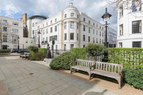 Victoria Square Apartment