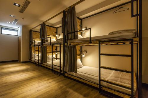 Single Bed in 16 Mixed Dormitory Room