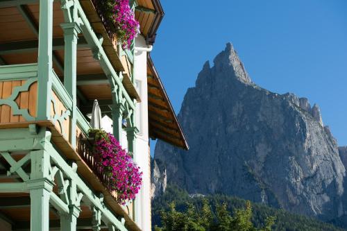 NaturResidence Dolomitenhof - Accommodation - Alpe di Siusi/Seiser Alm