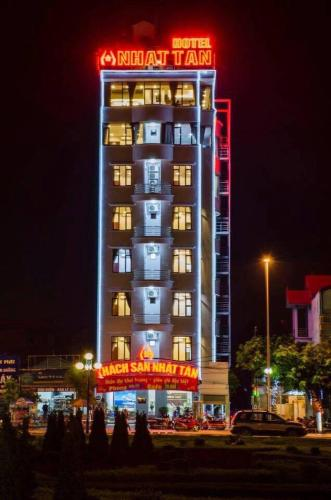 More about Nhat Tan Hotel