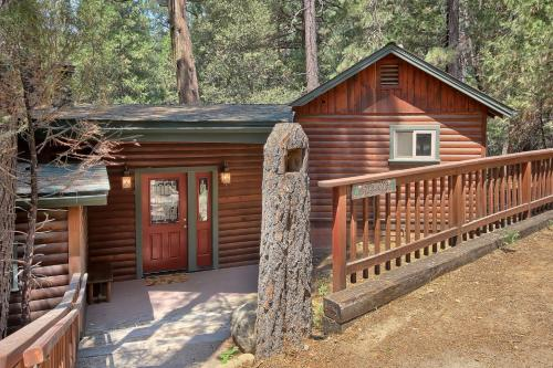 1L The Tree House - Chalet - North Wawona