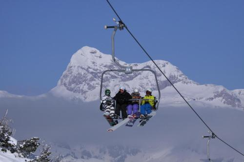 Special Offer - Family Room with Ski & Spa Package