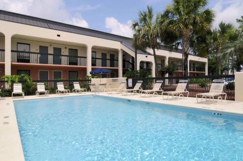 Baymont By Wyndham Tallahassee - Tallahassee, FL 32303