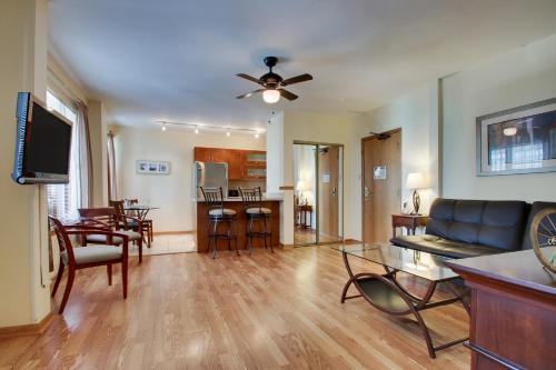 Dewitt Hotel and Suites Люкс с 1 спальней и кроватью размера «queen-size»