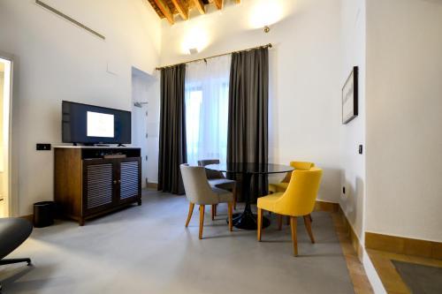 Junior Suite with Terrace Legado Alcazar 55
