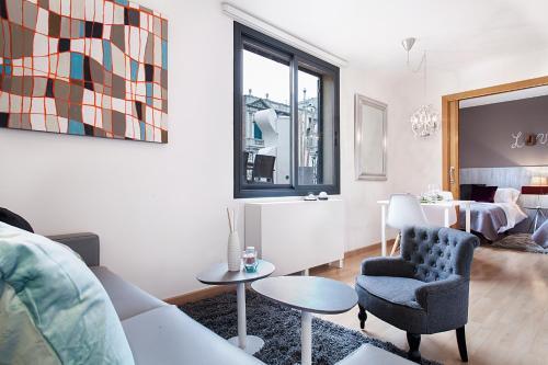 Apartments Barcelona & Home Deco Eixample photo 11