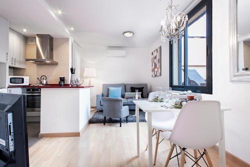 Apartments Barcelona & Home Deco Eixample photo 13
