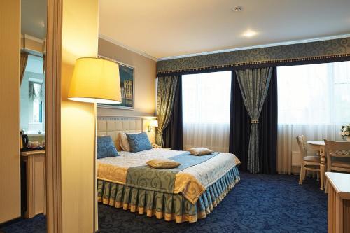 . Europe Hotel