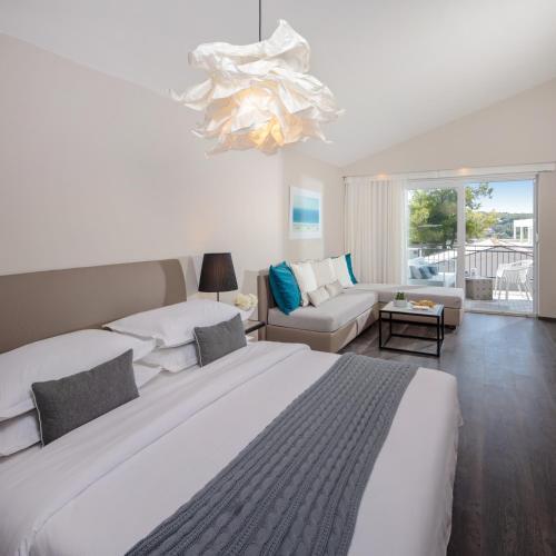 Gava Waterman Milna Resort � All Inclusive