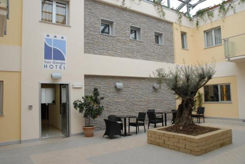 . San Giorgio Hotel