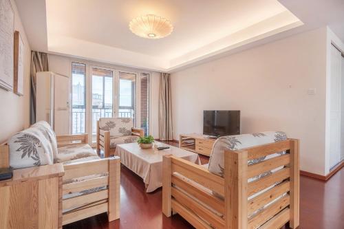Zhongyang Jingcheng Service Apartment photo 9