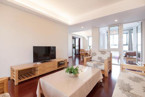 Zhongyang Jingcheng Service Apartment photo 12