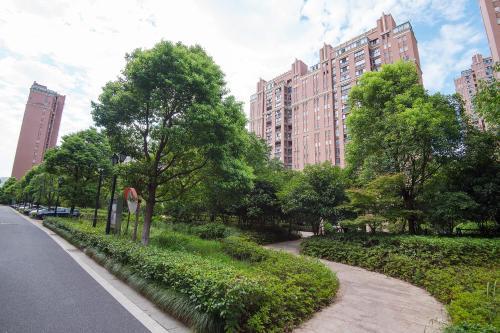 Zhongyang Jingcheng Service Apartment photo 21