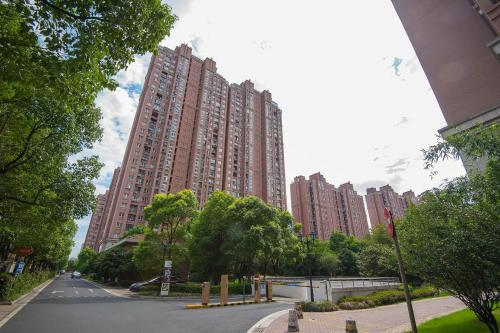 Zhongyang Jingcheng Service Apartment photo 22