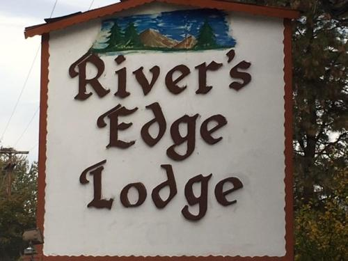 More about River's Edge Lodge