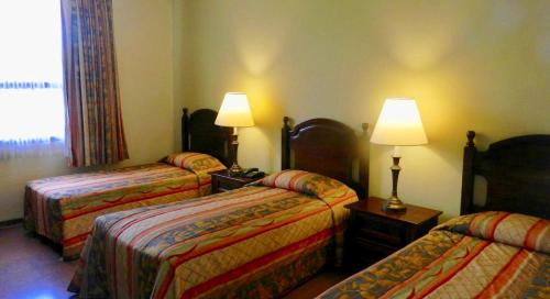 Hotel Santa Maria de Comayagua salas fotos