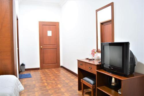 ZEN Rooms Basic Cipanas Km.78