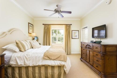 3 Bedroom Condo 4820 - image 7