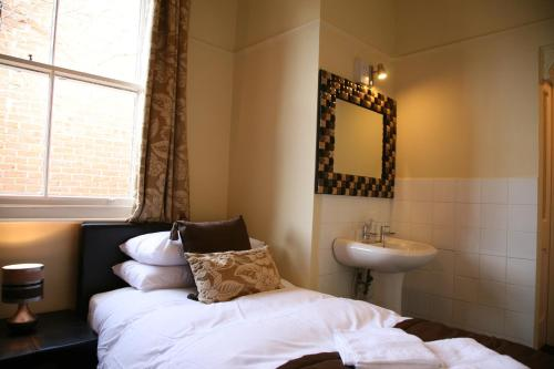 Gillygate Guest House picture 1 of 41