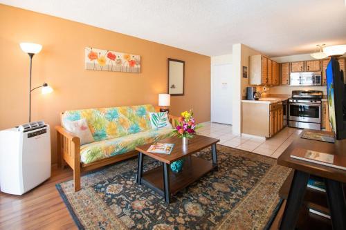 Waikiki Lanais | 17th Floor | 2 Bedroom - Honolulu, HI 96815