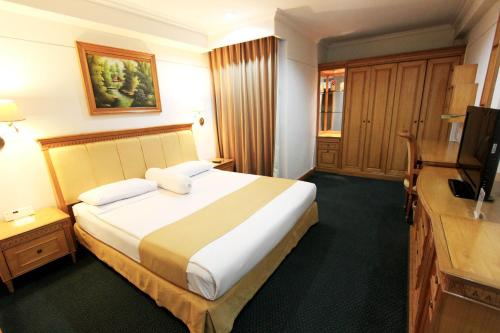 Harmoni Suites Hotel photo 19