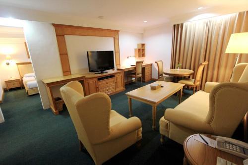 Harmoni Suites Hotel photo 25